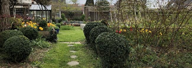Côté jardin mi avril